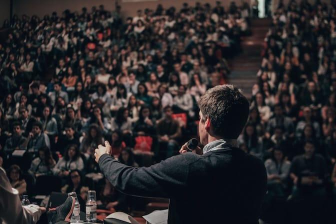 La capacità di parlare in pubblico
