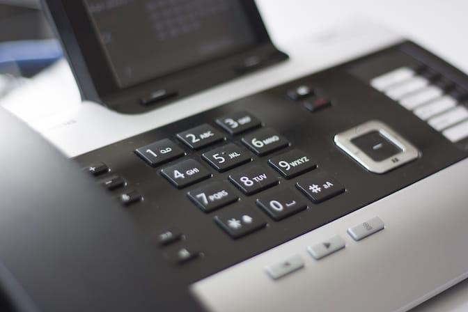Usare il telefono per comunicare professionalmente
